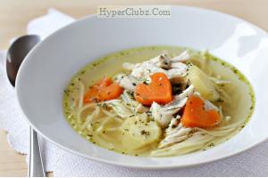 طرز تهیه سوپ مرغ ساده با تزئین قلب