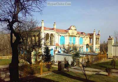آشنایی با کاخ موزه ماکو
