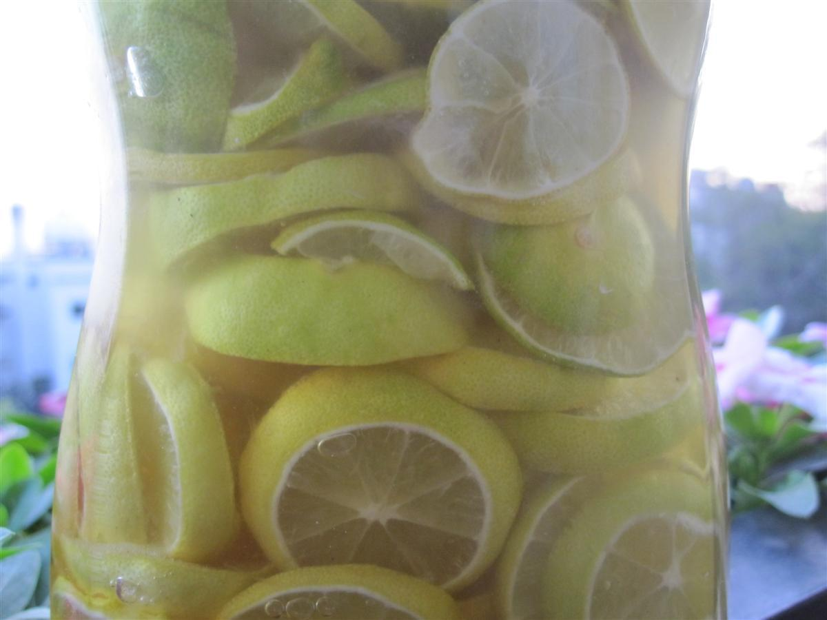 تهیه شربت لیمو